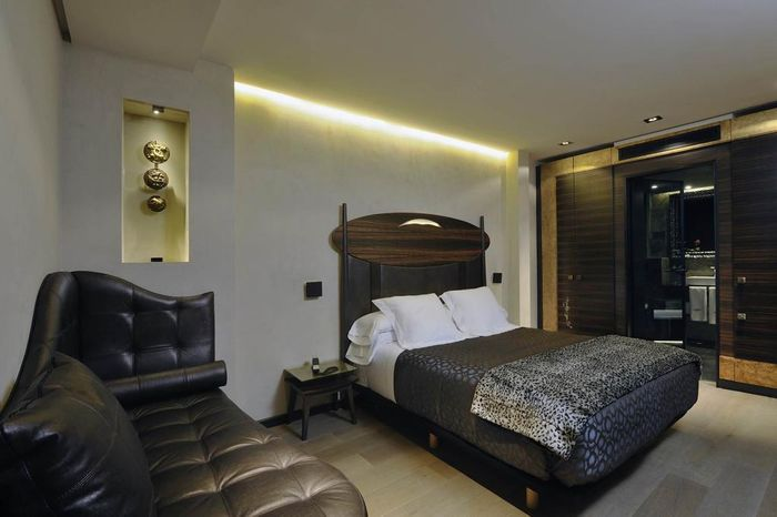 Reserve BAGUES HOTEL 5* hotel agora!