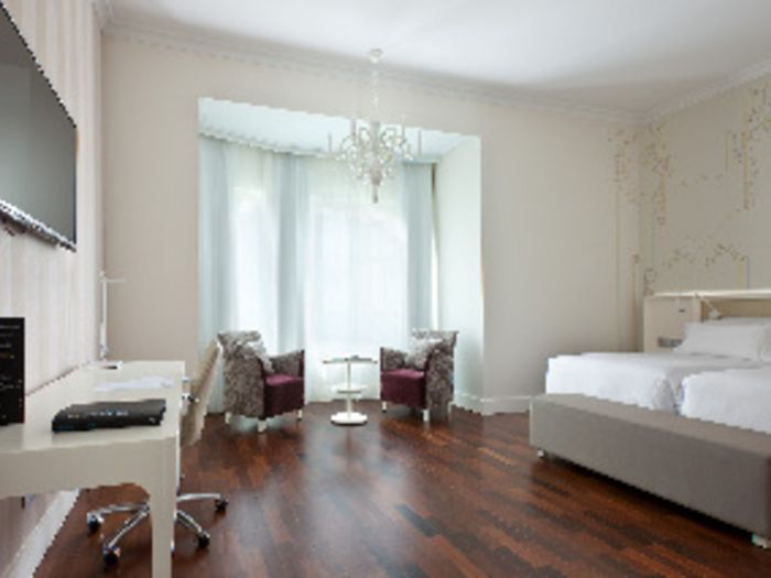 Reserve NH Collection Madrid Abascal hotel agora!