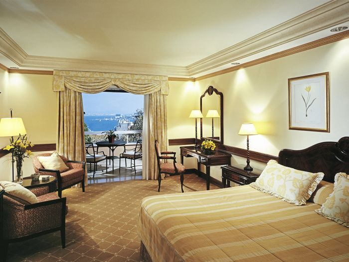 Reserve Olissippo Lapa Palace – The Leading Hotels of the World hotel agora!